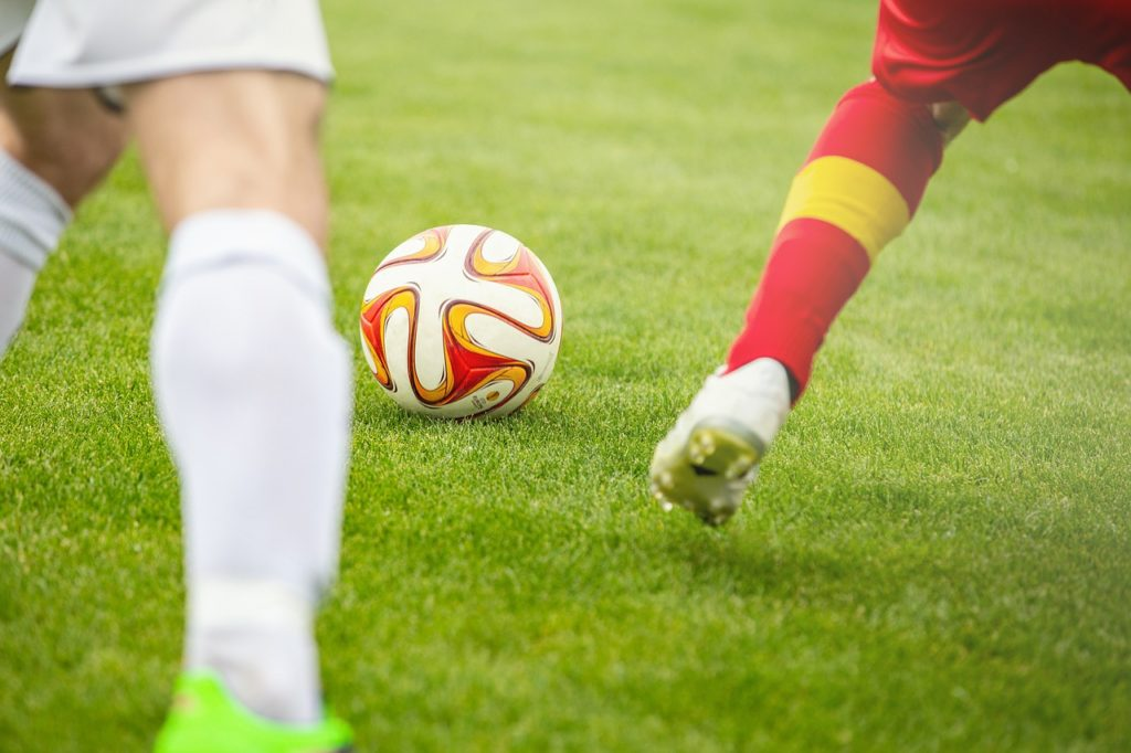 Ball Football Duel Soccer Sport  - phillipkofler / Pixabay