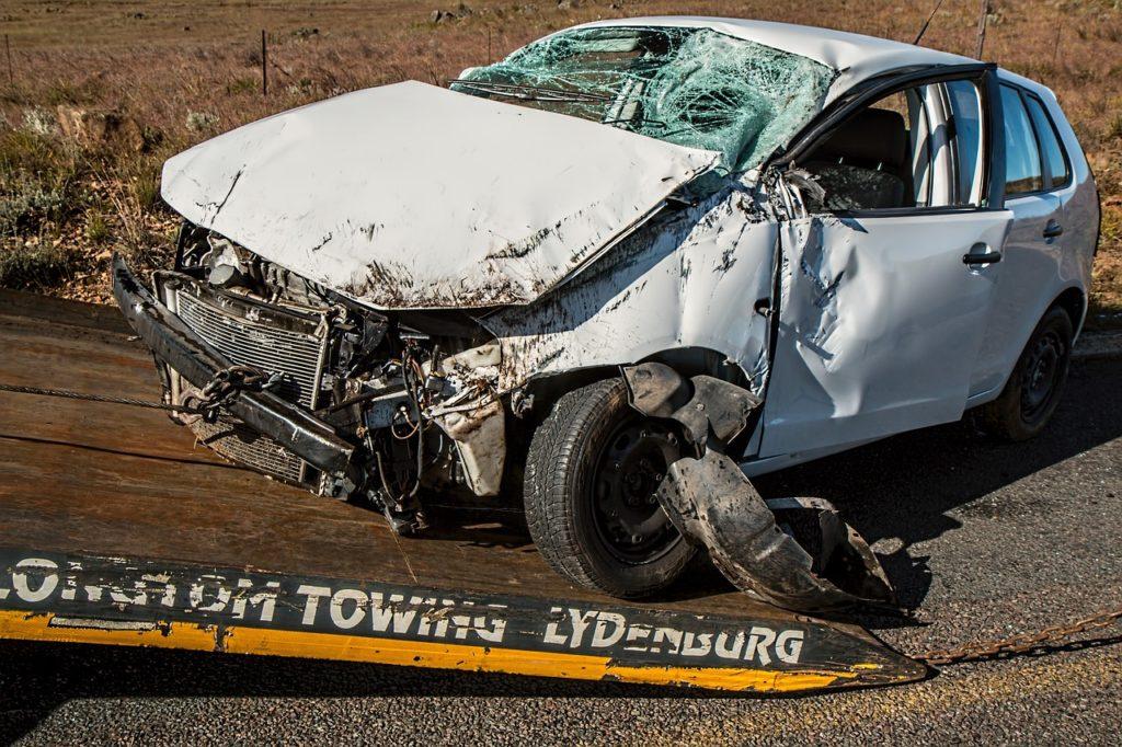 Car Accident Damage Crash Insurance  - stevepb / Pixabay