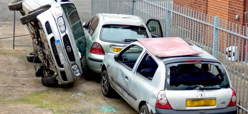 Car Wreck Accident Crash Insurance  - quicksandala / Pixabay