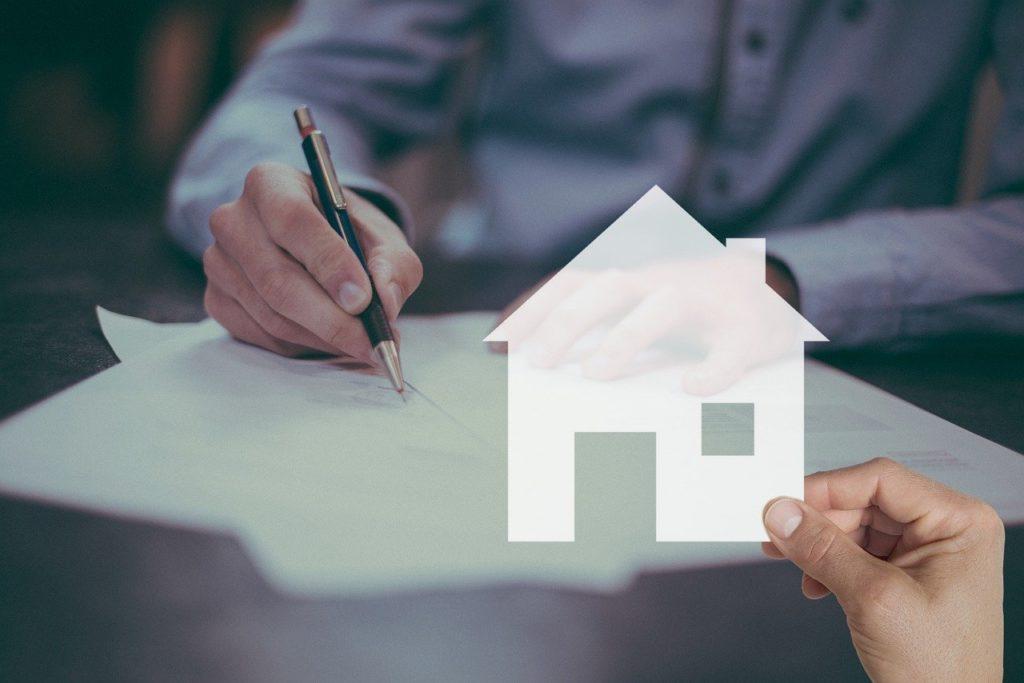 Mortgage House Contract Sign Home  - Tumisu / Pixabay